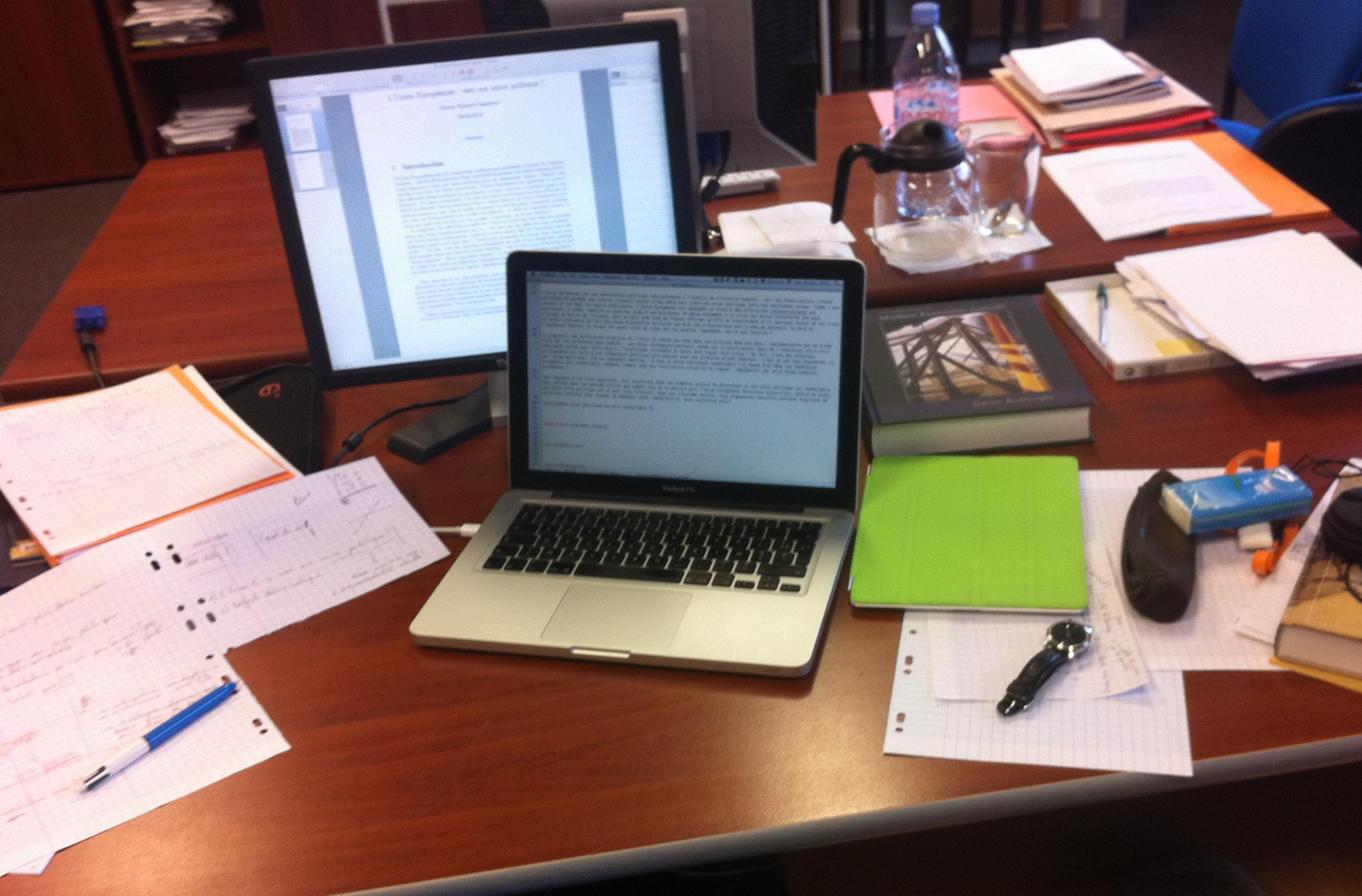 Mon bureau en 2012 au Bureau d'Économie Théorique et Appliquée (BETA), mon laboratoire